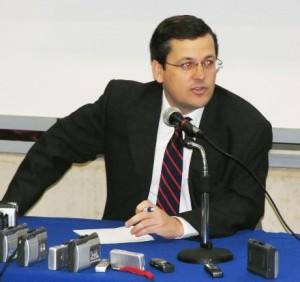 EN OFF. Los encuentros de Cristián Bofill y el Comité Editorial son reservados.
