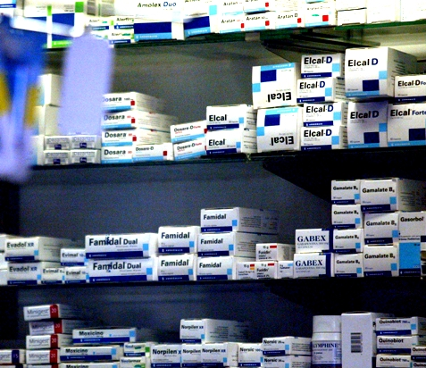 Gremio de trabajadores farmacéuticos lamenta primera muerte de funcionario por covid-19 y acusa abandono de su empleador