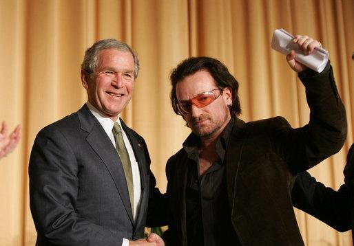 Bono George W. Bush Premiacion Manos