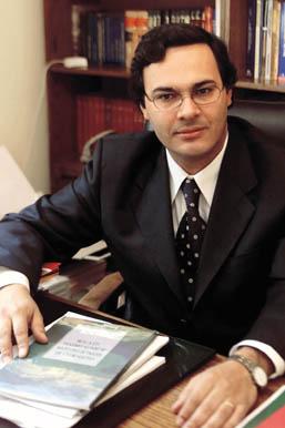 """El abogado Marcelo Castillo sostiene que lo que está en juego con estas presentaciones y la respuesta a los informes solicitados, es """"la buena fe del Estado chileno y el respeto frente a la comunidad internacional""""."""
