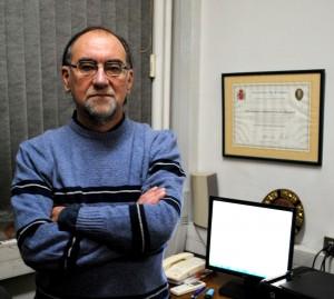 Rodrigo Palma es ingeniero civil metalúrgico de la Universidad Federico Santa María y doctor ingeniero en materiales de la Universidad de Navarra. Hoy es subdirector del Departamento de Ingeniería Mecánica de la U. de Chile. Fue el fundador y primer presidente de la Sociedad Chilena de Metalúrgica y Materiales (SOCHIM).