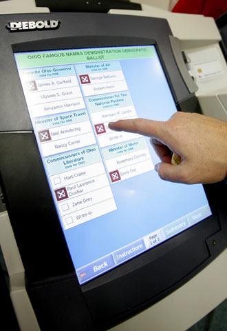 Organizaciones defensoras del voto en el extranjero dan a conocer iniciativa de 'voto electrónico'