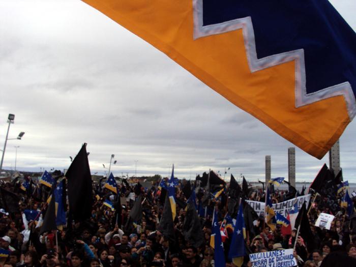Pocos dientes pero con garras: Gobierno Regional de Magallanes debuta con dos demandas en contra del Estado