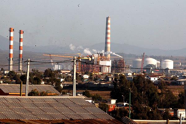 Ministerio de Medio Ambiente hunde a Puchuncaví: secretaría de Estado altera niveles de emisión de contaminantes y beneficia a empresas