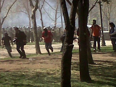 Encapuchados se enfrentaron a Fuerzas Especiales de Carabineros en el parque