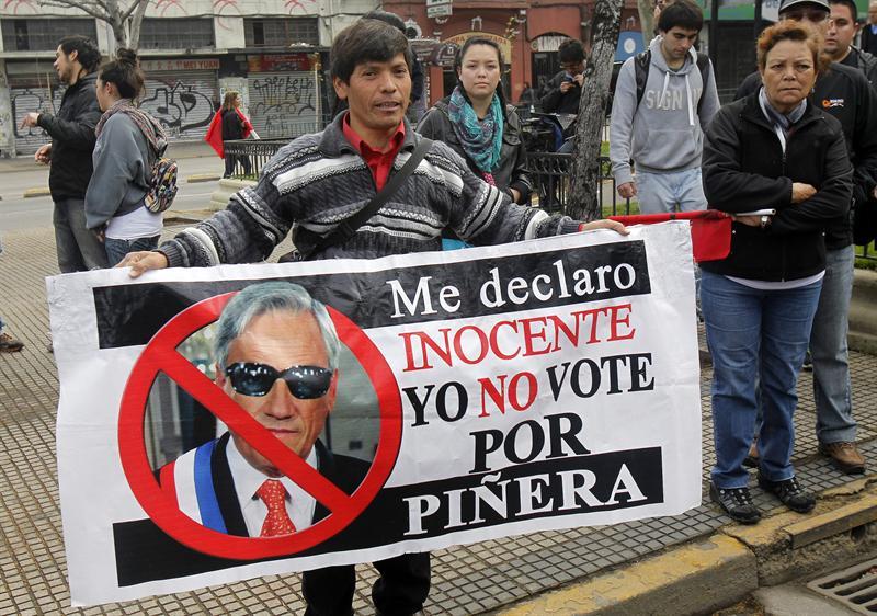 cartel piñera_634523118885769613w