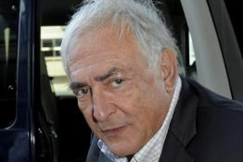 Interrogan a Strauss-Kahn como