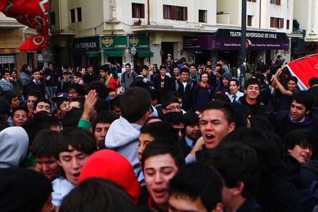 Desde temprano se reunieron los escolares en el sector de Plaza Italia para marchar hasta el municipio