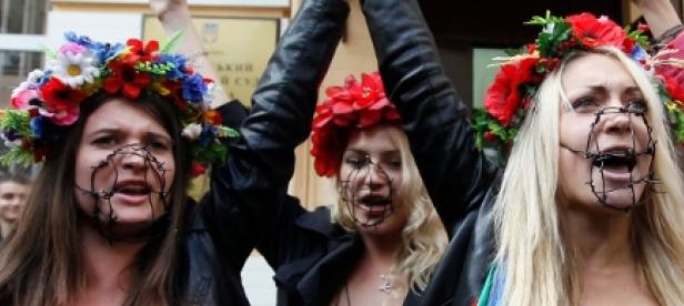 Ucranianas protestan en topless contra la prostitución