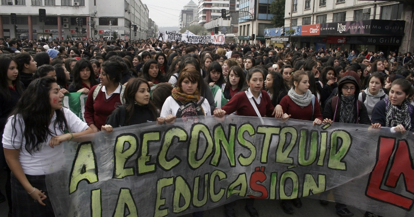 Estudiantes chilenos ratifican llamado a doble jornada de movilización