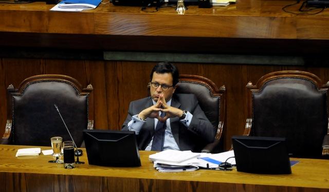 El ministro Rodrigo Hinzpeter durante la sesión