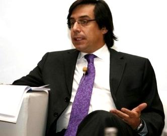 """""""Es extremadamente poco creíble que te hayan engañado durante 10 años"""", dijo tajante Guillermo Larraín."""