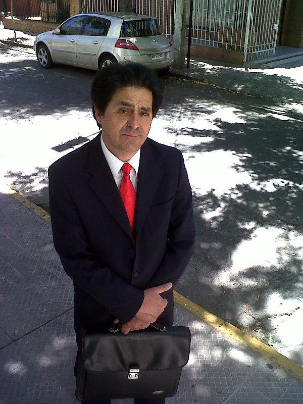 """Hipólito Quintana cotizó durante 30 años. Se jubiló anticipadamente porque no confía en el sistema. """"Es inaceptable, por ejemplo, que haya sucedido una situación tan grosera como la de La Polar, que las AFP hayan tenido acciones ahí y nadie se hubiera dado cuenta de lo que iba a suceder"""", se queja."""