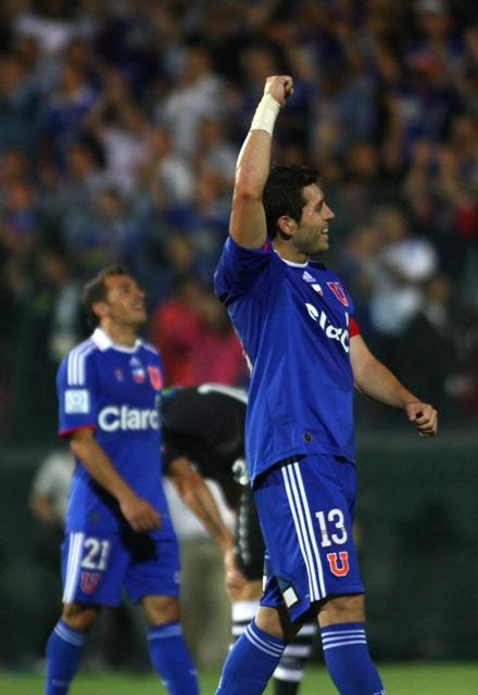 Pitazo final y el capitán José Rojas celebra la clasificación