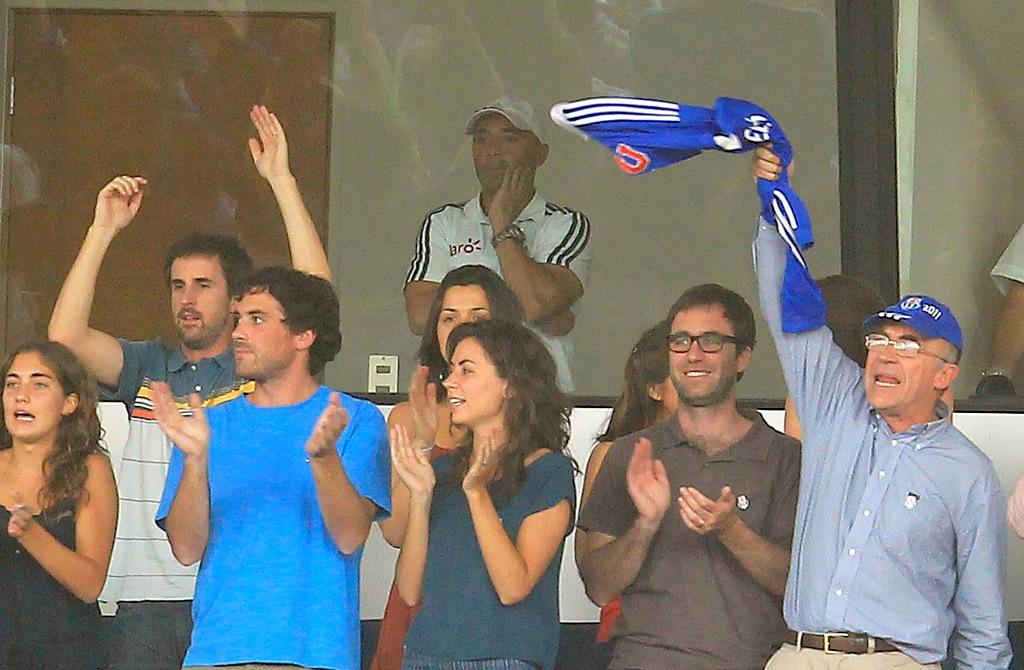 Jorge Sampaoli suspendido debió ver el partido desde una cabina en las tribunas