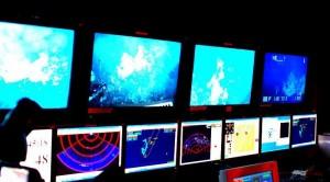 Las imágenes captadas por el robot eran vistas por los científicos en la sala de control del buque. El Prof. Rogers espera obtener fondos para una nueva expedición dirigida a explorar en mayor detalle la vida en torno a las fuentes hidrotermales cercanas a la Antártida.
