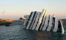 El Costa Concordia puede ser un barco grande para ser un crucero, pero es pequeño si se lo compara con cargueros o barcos cisterna.