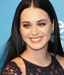 Katy Perry es  usada como nuevo gancho para distribuir un gusano de Facebook