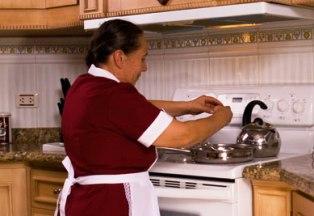 Empleadas domésticas, la precariedad de los cuidados