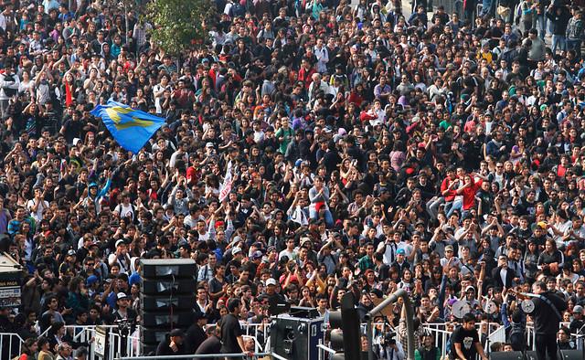 Los organizadores cifraron en alrededor de 70.000 los asistentes a la marcha que terminó pacíficamente en un acto frente a la Estación Mapocho.
