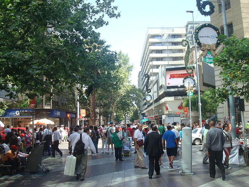 Cadem: 8 de cada 10 chilenos creen que la economía está estancada o retrocediendo