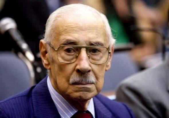Condenan a 50 años al ex dictador Videla por robo de bebés en dictadura