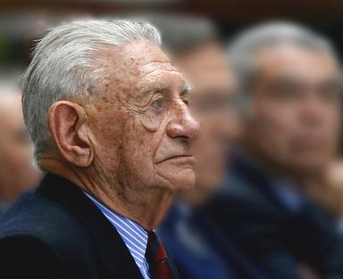 Las contradicciones de Matthei que lo ponen en la mira de  investigación por la muerte del ex general Bachelet