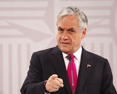 Piñera usa crisis económica internacional y apela al temor para repuntar en las encuestas