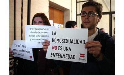 Católicos, políticos, matones y homosexualidad