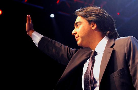 Enríquez-Ominami lanza candidatura presidencial con promesa de