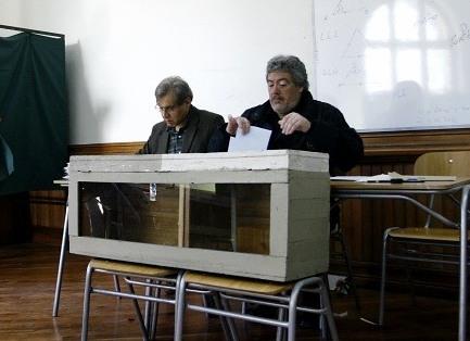 Me importa un voto: demoledora abstención supera el 60 % y deja en la UTI al sistema político