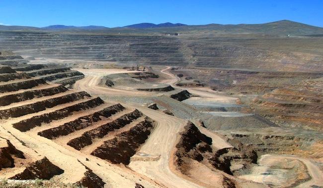 Ex CEO de Barrick Gold, la minera detrás de Pascua Lama: sólo las mineras pequeñas prosperarán
