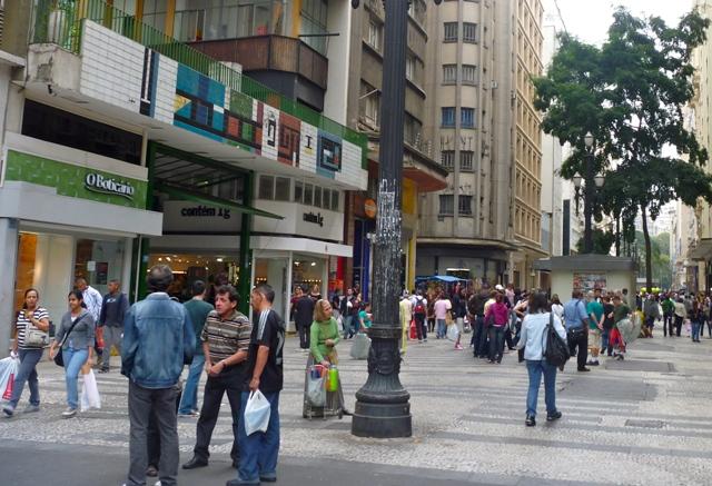 Banco Mundial señala que la clase media en América Latina se incrementó 50% en la última década