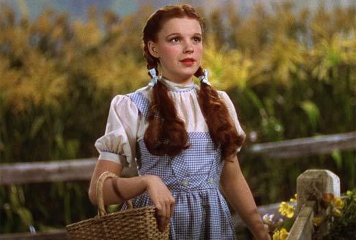 """El traje de Judy Garland en """"El Mago de Oz"""" se subastará en no menos de 400 mil dólares"""