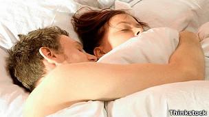 Compartir la cama con tu pareja mejora la calidad del sueño de una manera sorprendente