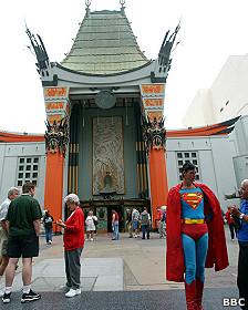 El Teatro Chino de Los Ángeles tiene nuevo propietario.
