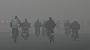 La contaminación en las grandes ciudades chinas ha llegado a niveles peligrosos, según la OMS.