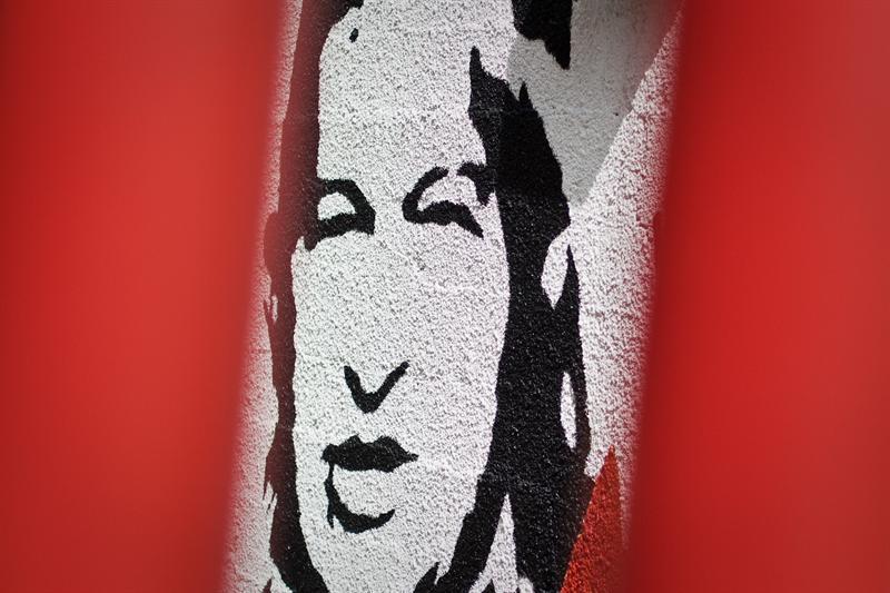 La incertidumbre por Chávez no basta para frenar el avance de los bonos venezolanos
