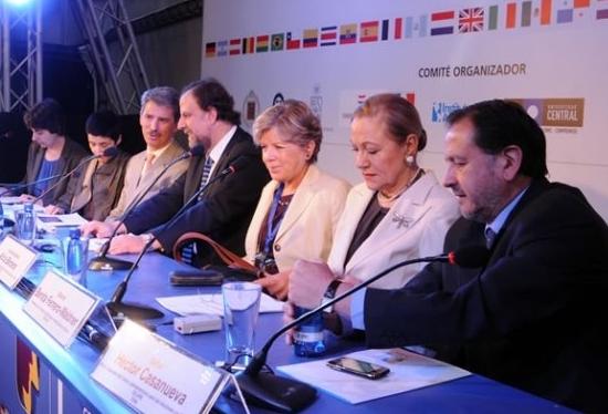 Cumbre Académica propone sistema de acreditación superior común para la región