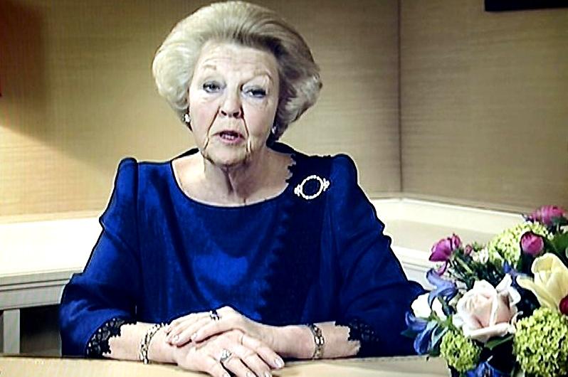 Beatriz de Holanda abdica en su hijo Guillermo y deja paso a nueva generación