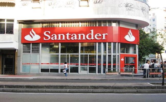 Se le complica el año a los inversionistas de Santander Chile: Ahora Bank of America recomienda vender los papeles
