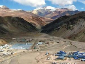 Barrick declina comentar medida que suspende faenas del proyecto minero Pascua Lama (agrega datos)