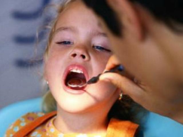 Estiman que sólo el 30% de la población chilena tiene acceso al dentista