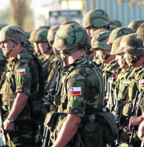 Prorrogan por un año permanencia de tropas chilenas en Haití