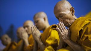 Cuando los budistas toman las armas