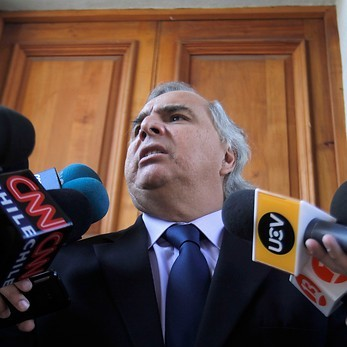 Chadwick emplaza a Hugo Gutiérrez a pedir disculpas al Presidente Piñera