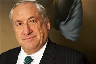 Gerente general de BancoEstado asegura que dispuso el cese del cobro de comisiones abusivas en 2011