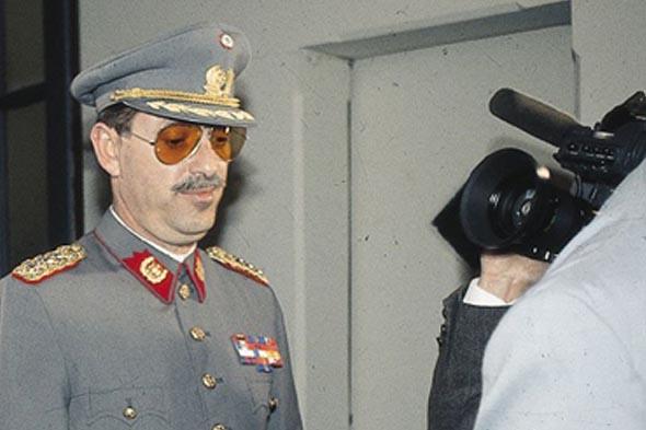 Juez Carroza condena a Miguel Krassnoff a 541 días de cárcel por delito de torturas contra militante del MIR