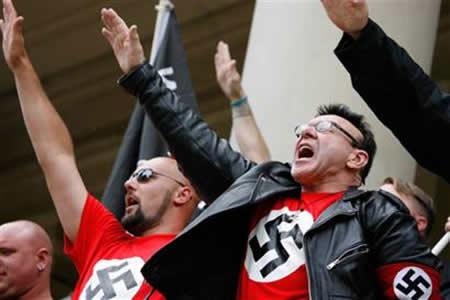Crisis fortalece a los partidos neonazi en Europa