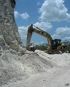 Destruyen pirámide maya para construir carretera en Belice